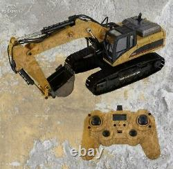 Huina 1580 23 Channel Full Metal RC 114 Excavator Version 4 with Carrying Case